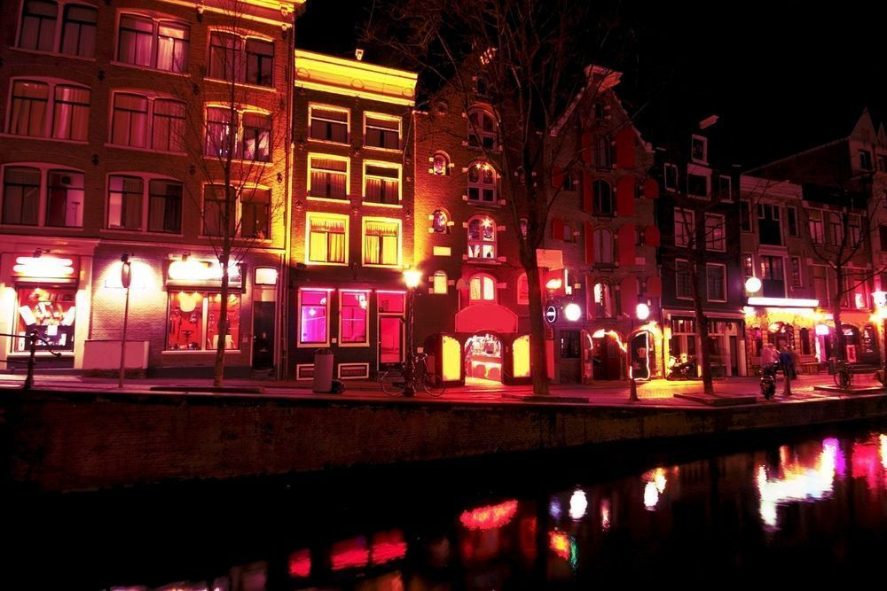 Amsterdam - Barrio Rojo (red light district)
